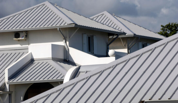 Aluminum Roofs-San Diego County Pool Screen Enclosures & Screen Repair Services